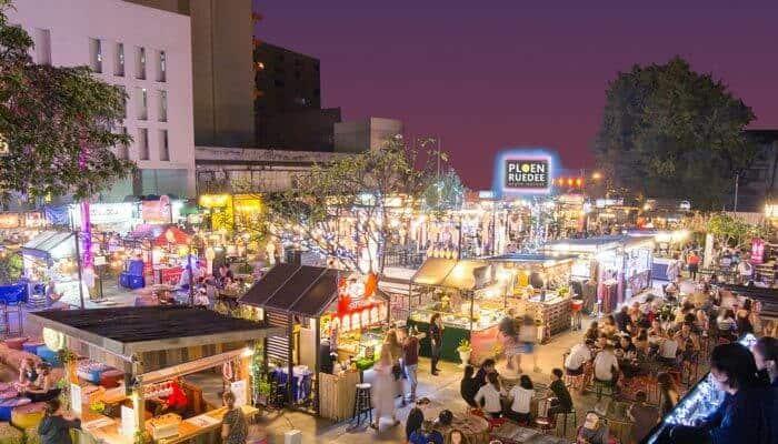 Ploen Ruedee Night Market
