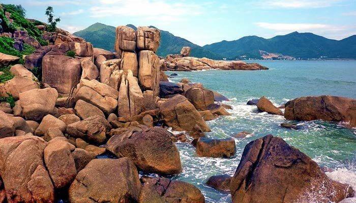 Large Boulders of Hon Chong Nha Trang Vietnam