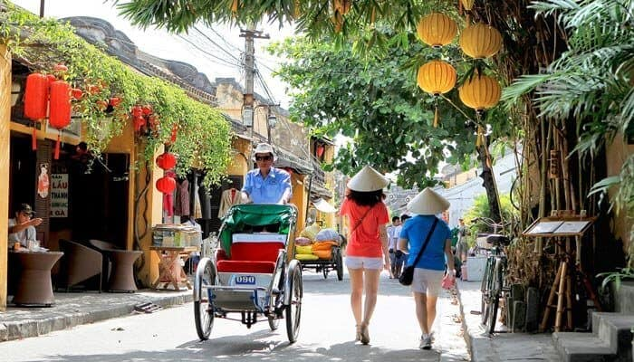 foot tour Hanoi attractions