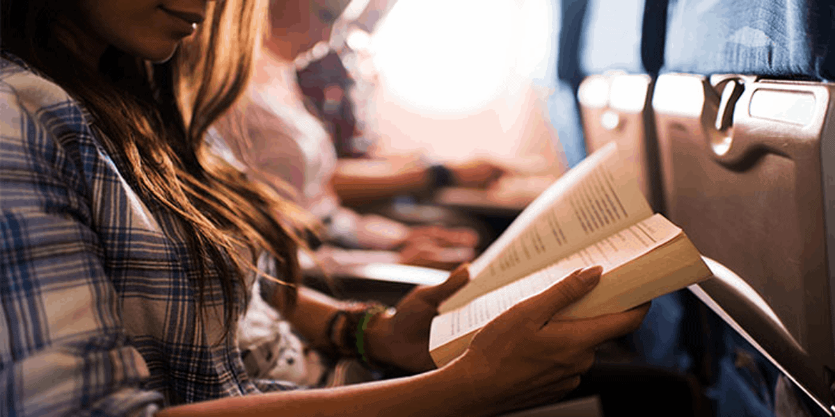 5 Best Books to Read While Traveling